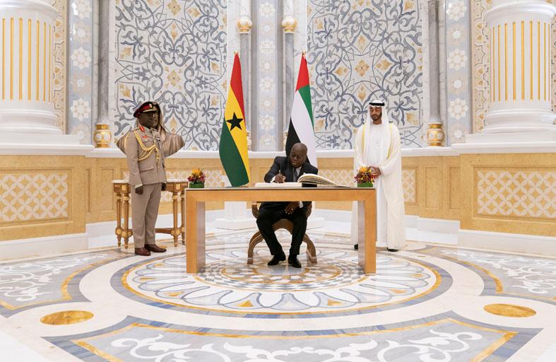 محمد بن زايد يؤكد اهتمام الإمارات بتطوير علاقاتها مع دول القارة الأفريقية