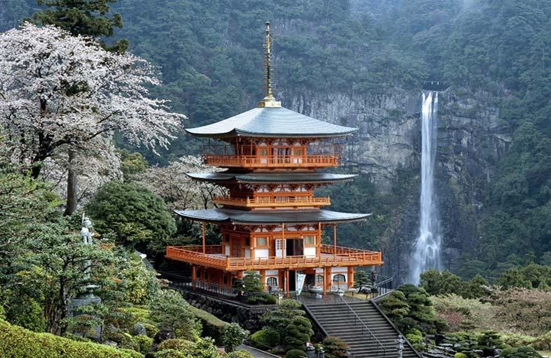 كانساي اليابانية تمتلك كافة مقومات السياحة العالمية