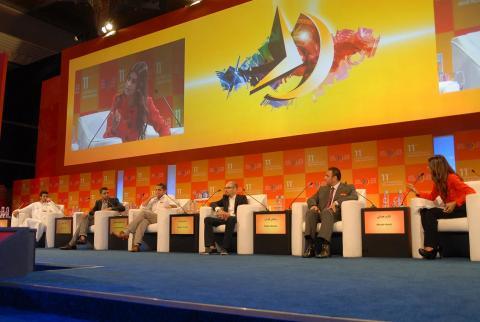 نادي دبي للصحافة يعلن فتح باب التسجيل الالكتروني في دورته المقبلة لمنتدى الإعلام العربي
