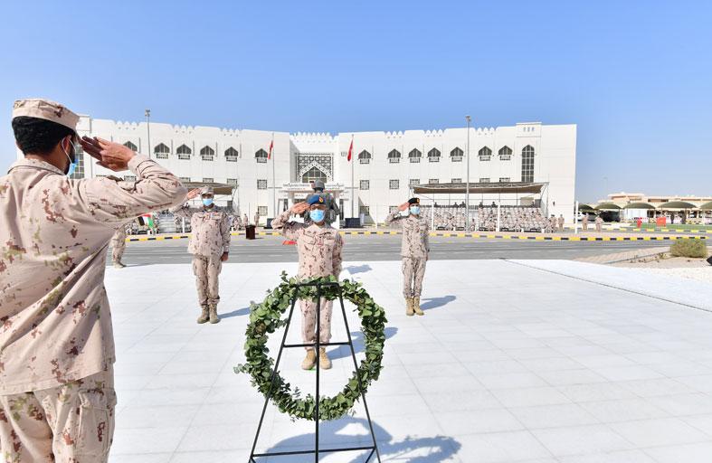 في يوم الوحدة الـ 32 ..نائب رئيس الأركان يشهد حفل التسليم والاستلام وافتتاح نصب الشهيد التذكاري ومتحف القوات البرية