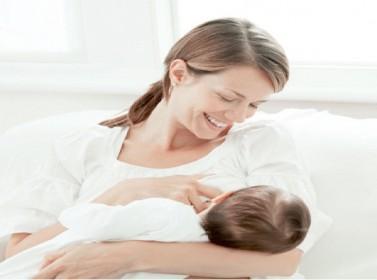 الرضاعة الطبيعية ترفع نسبة معدل ذكاء الأطفال