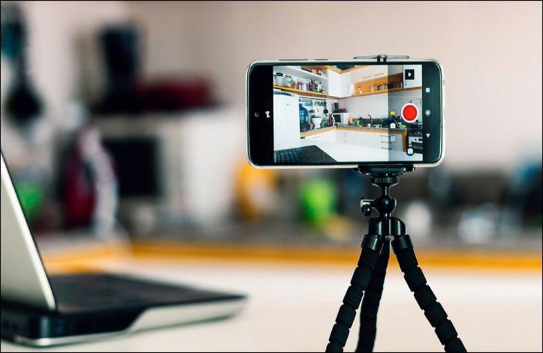 كيف تحول هاتفك الذكي لكاميرا ويب؟