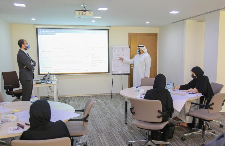 مصرف الشارقة الإسلامي ينمّي قدرات  طلبة الكليات والجامعات بالدولة في العمل المصرفي