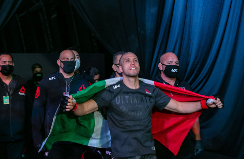 «العودة إلى جزيرة النزال» تعزز مكانة أبوظبي كعاصمة عالمية لاستقطاب نجوم الرياضة