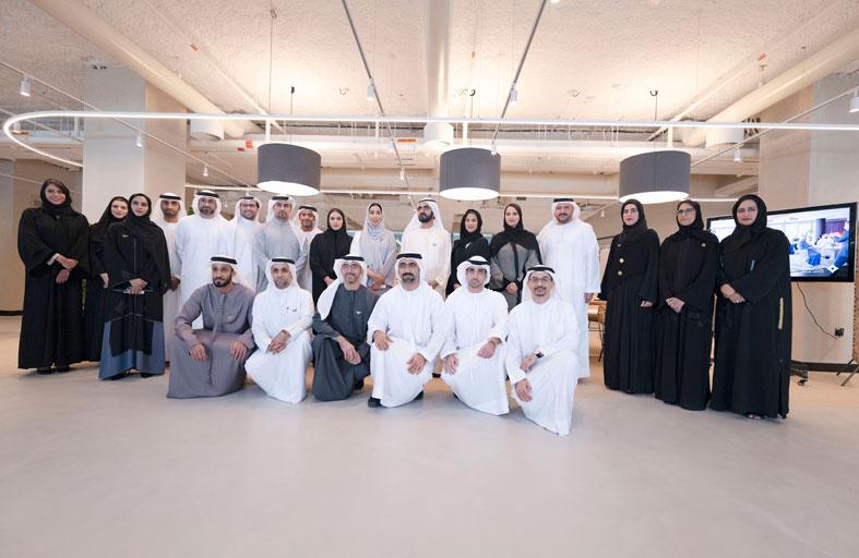 محمد بن راشد يلتقي لجنة دبي للاتصال الخارجي