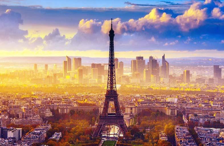 باريس الساحرة.. أبرز وأجمل الأماكن السياحية والنشاطات