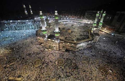 مكة المكرمة .. مهبط الوحي  وقبلة المسلمين وإليها تهفو الأفئدة والنفوس