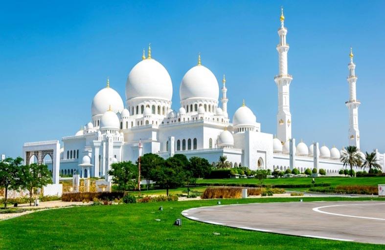 سفراء يحملون رسالة التسامح والتعايش من دولة الإمارات إلى العالم