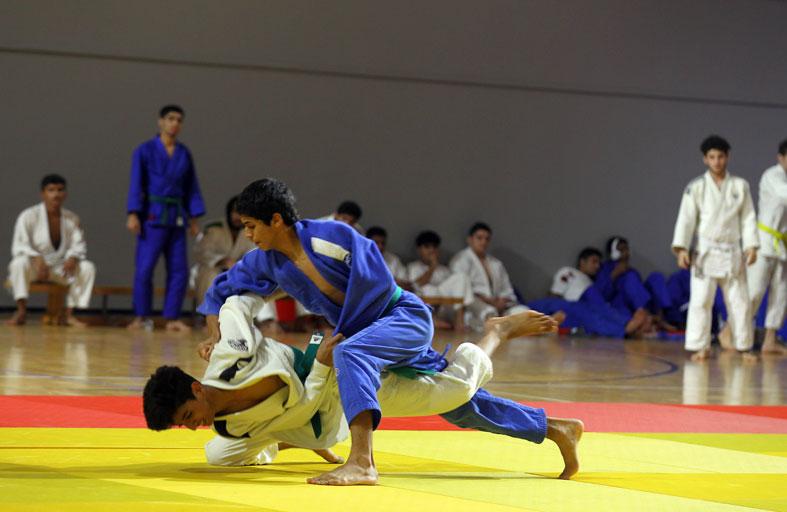 «اتحاد الجودو» يشيد بجهود نادي الشارقة للدفاع عن النفس لتدريبات الفرق عن بعد