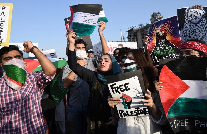 صدامات في مونتريال بين مؤيدين للفلسطينيين ومناصرين لإسرائيل