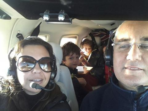 مصرع مدير كولورادو وعائلته بعد تحطم طائرة بفرنسا