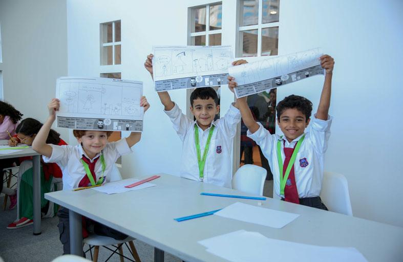 أطفال «معرض الشارقة الدولي للكتاب» يسافرون عبر الزمن في «رسوم من الماضي»