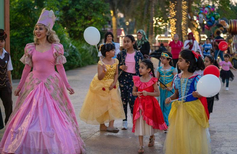 5000 زائر يحتفلون بالعيد الـ40 لحدائق المنتزه