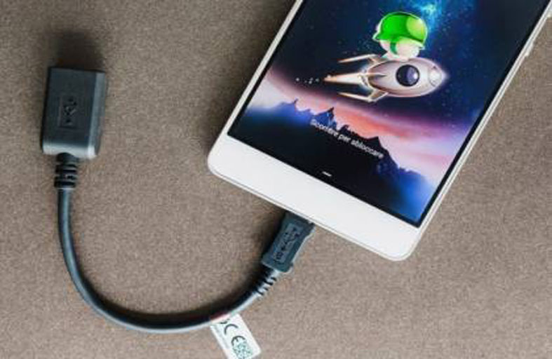 لا تستخدموا كابل USB سوى بهذه الطريقة