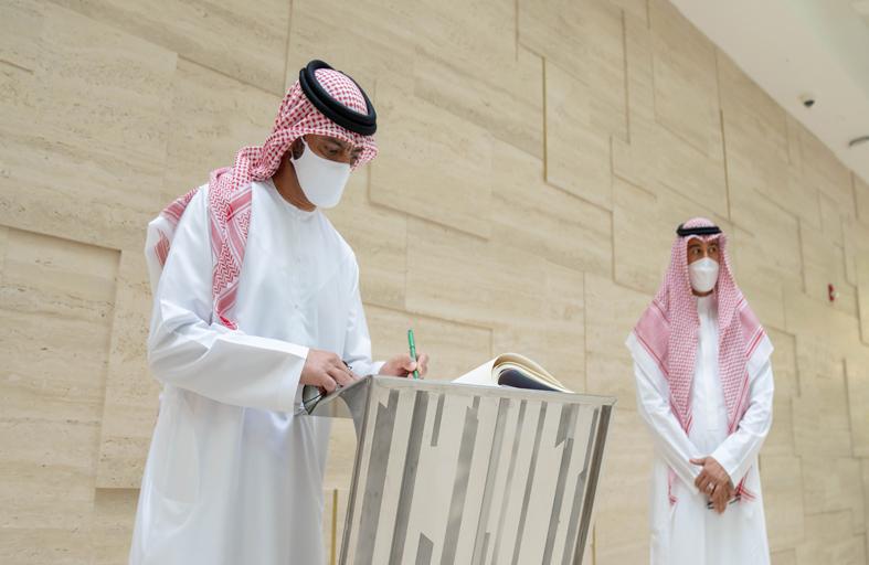 عمار النعيمي يزور جناحي الإمارات والسعودية في إكسبو 2020