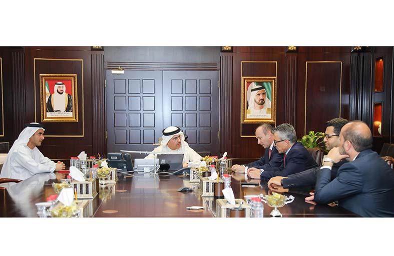 كهرباء دبي تبحث التعاون مع شركة « فيوليا» العالمية