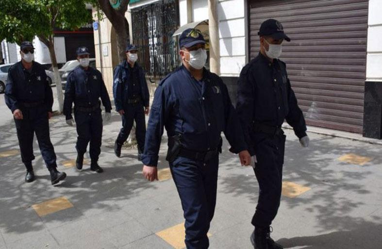 شرطي يقتل 4 أفراد من عائلة واحدة