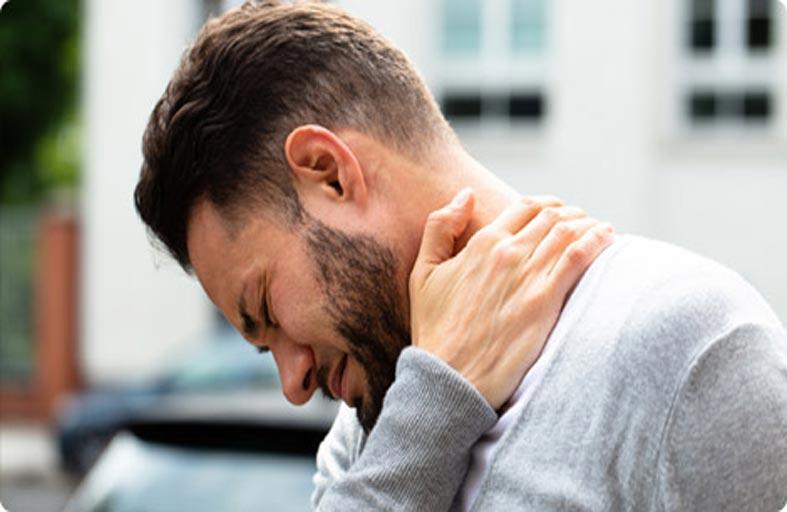 أعراض الإصابة بغضروف الرقبة وطرق الوقاية منه
