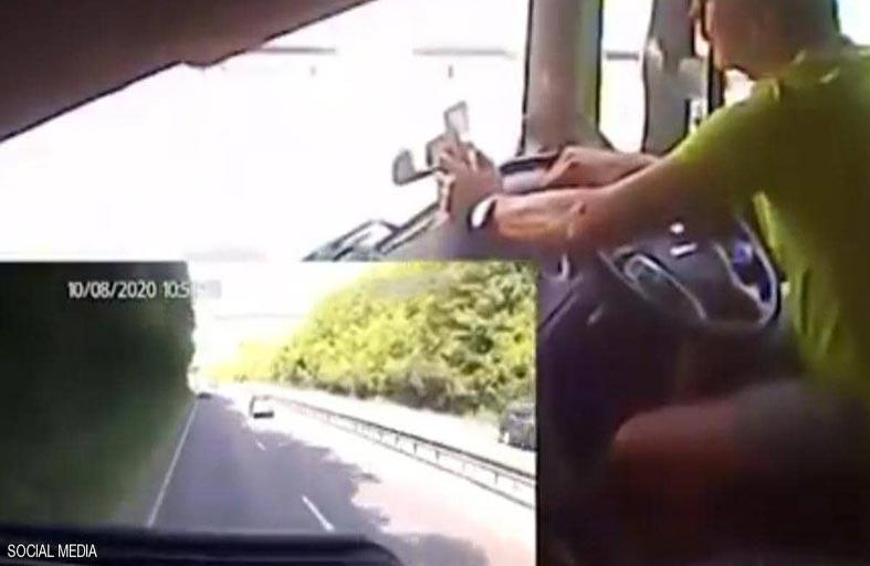 فيديو يظهر مخاطر الانشغال بالهاتف أثناء القيادة