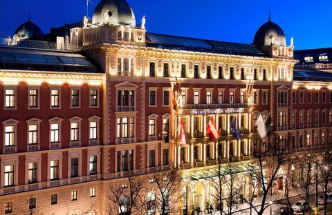القصر وجهة مثالية للعطلات ويستمد عراقته من عصر النهضة