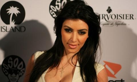 كاردشيان ترفض بيع  صورة طفلتها بـ3 ملايين دولار