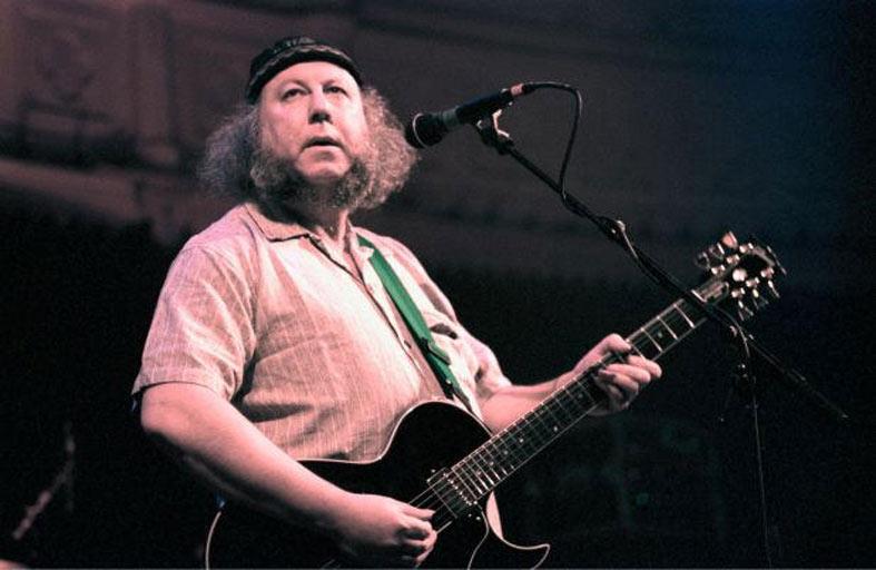 وفاة عازف الغيتار بيتر غرين