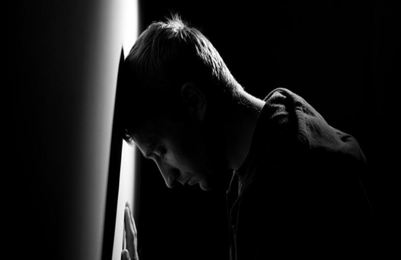 الاكتئاب الحاد متى يتطلب التدخل الطبي؟
