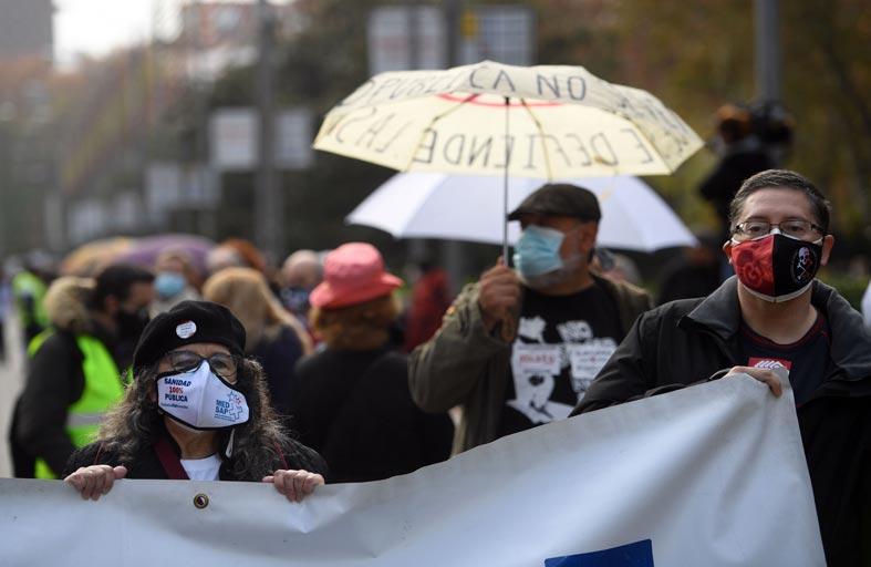 الآلاف يتظاهرون في مدريد دعما لنظام الصحة