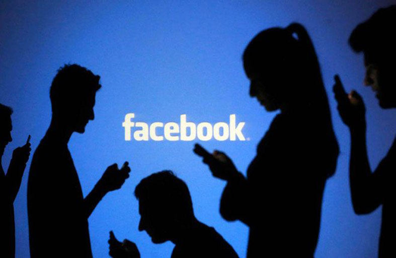 بيانات الآلاف من موظفي فيسبوك في خطر