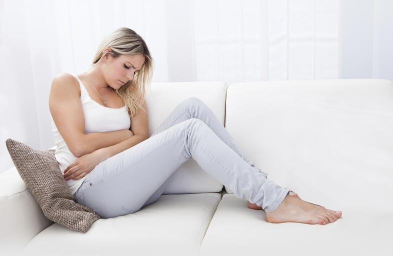 أسباب وطرق معالجة حموضة المعدة