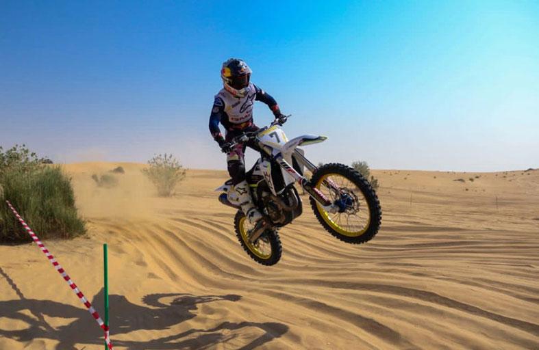 محمد البلوشي إلى الدوحة الأربعاء للمنافسة على لقب مونديال الدراجات النارية