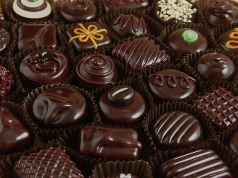 الشيكولاته علاج فعال لنوبات السعال المزمن