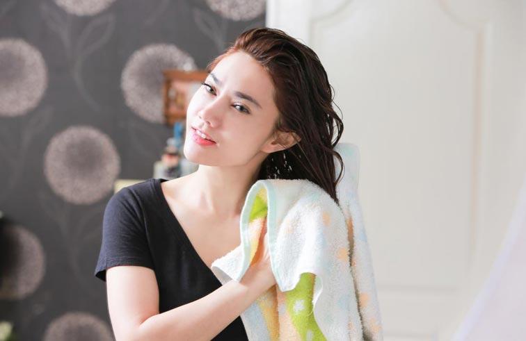 زيت الزيتون.. طرق لعلاج الشعر والاظافر والبشرة