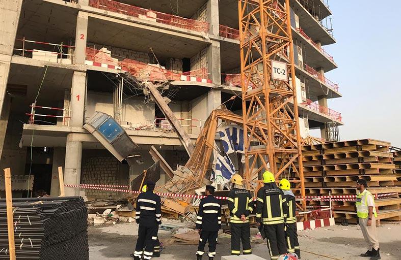 وفاة وثلاث إصابات في سقوط رافعة بناء بأبوظبي