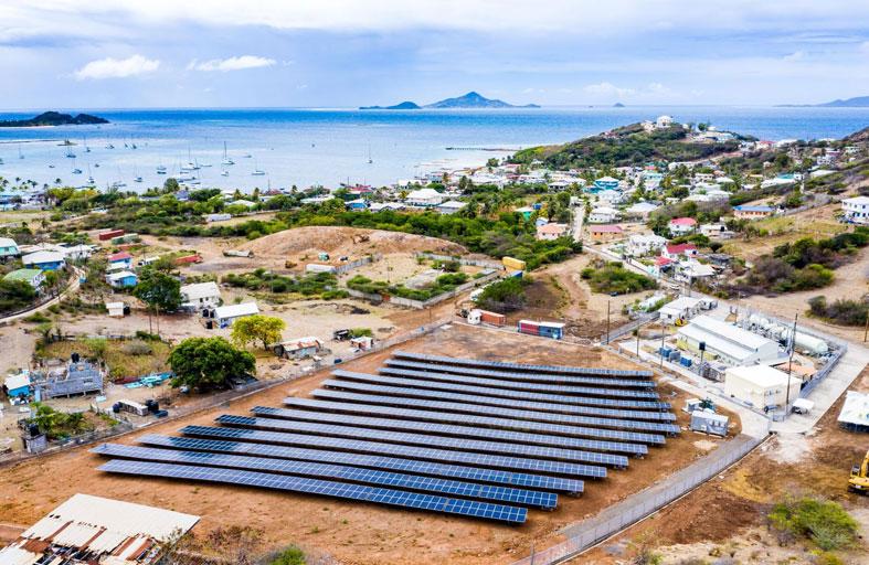 الإمارات تعلن عن اتفاقيات تمويل جديدة لمشاريع طاقة شمسية في الكاريبي