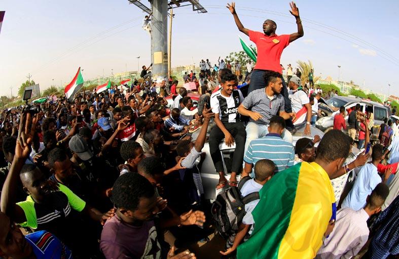ما هي مخاطر الفترة الانتقالية في السودان؟