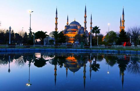 اسطنبول عبق التاريخ وعطره ، وصبا الحداثة وبريقها الأخاذ