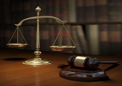 محكمة جنح في أبوظبي تحكم بالحبس سنة والإبعاد لبريطاني وهندي باعا أراضي وهمية شمالي لندن