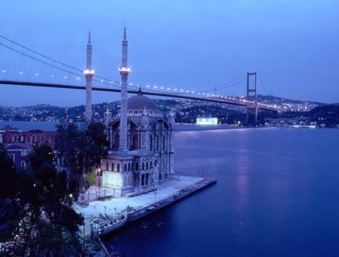 اسطنبول لؤلؤة البوسفور وبوابة مشرعة على الأصالة والحضارة