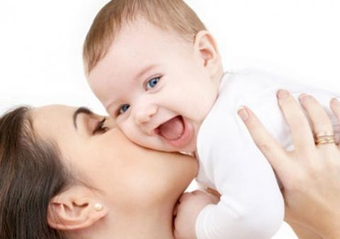 حمل الرضع معتدلين يساعد في نموهم