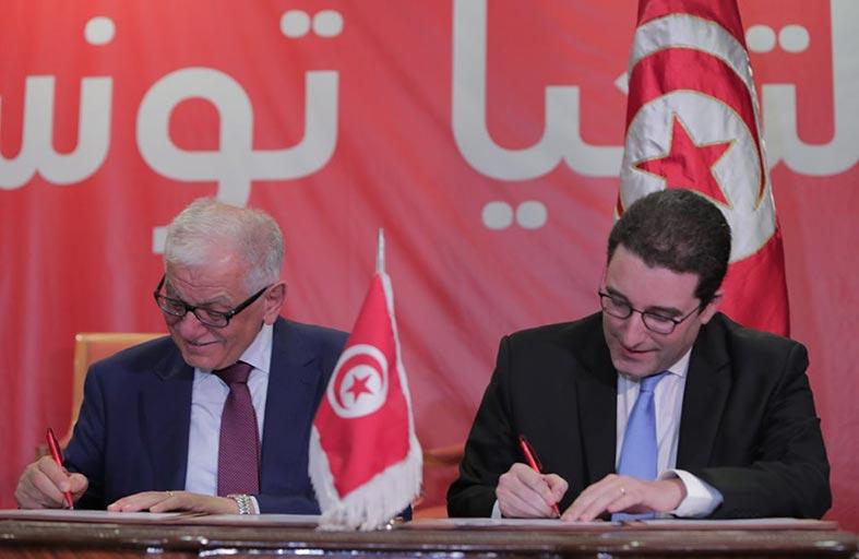 اندماج حزبي تحيا تونس والمبادرة الدستورية...