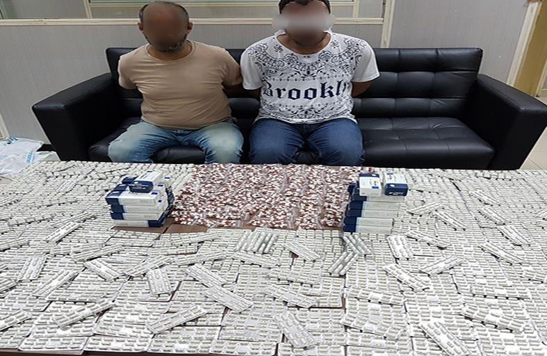 شرطة أبوظبي تضبط مروجين حاولا بيع 10 آلاف قرص مخدر عبر «التواصل الاجتماعي»