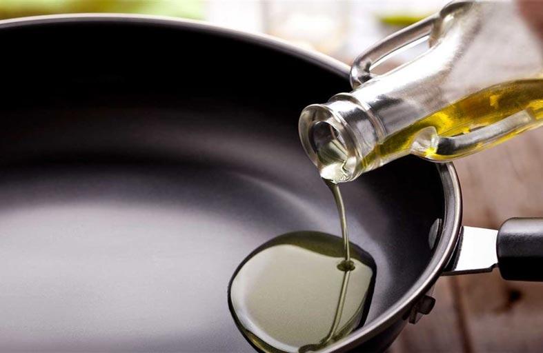 الطهي بهذا الزيت.. مفيد جدا لصحة القلب
