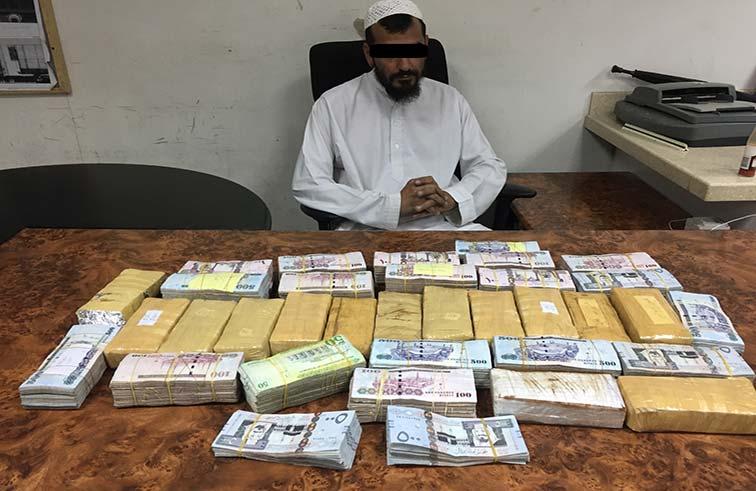الإدارة العامة لجمارك أبوظبي تحبط محاولة تهريب أموال عبر مركز جمرك الغويفات الحدودي