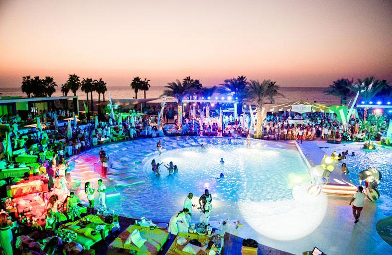 نادي «Nikki Beach Dubai» يستضيف الحفلة البيضاء