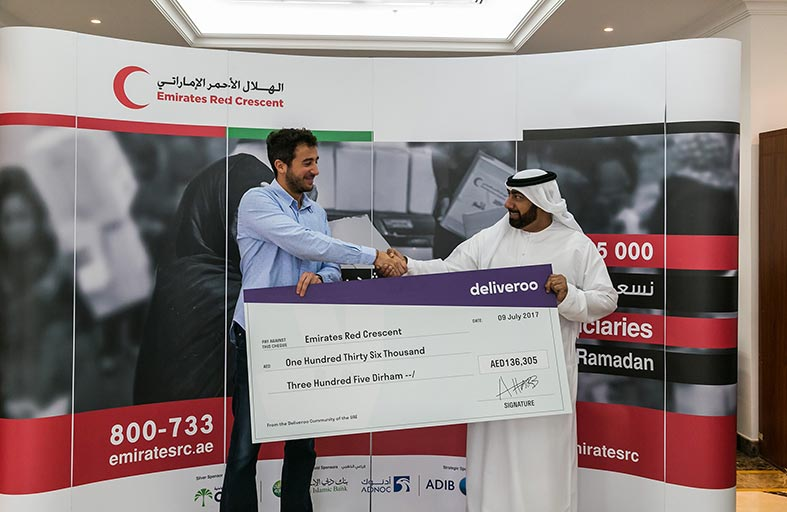 ديليفيرو تجمع 136,000 درهم لصالح هيئة الهلال الأحمر الإماراتي
