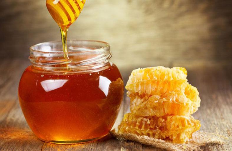 العسل.. فوائد ومعادن وأحماض وعلاجات منزلية تجميلية