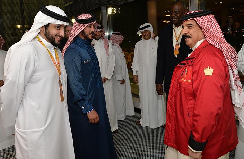 محمد بن محمد يشهد سباق الفورمولا -1 في البحرين