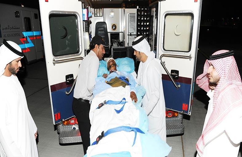 إجلاء عائلة ليبية ونقل مصابين يمنيين لتلقي العلاج في مستشفيات الدولة
