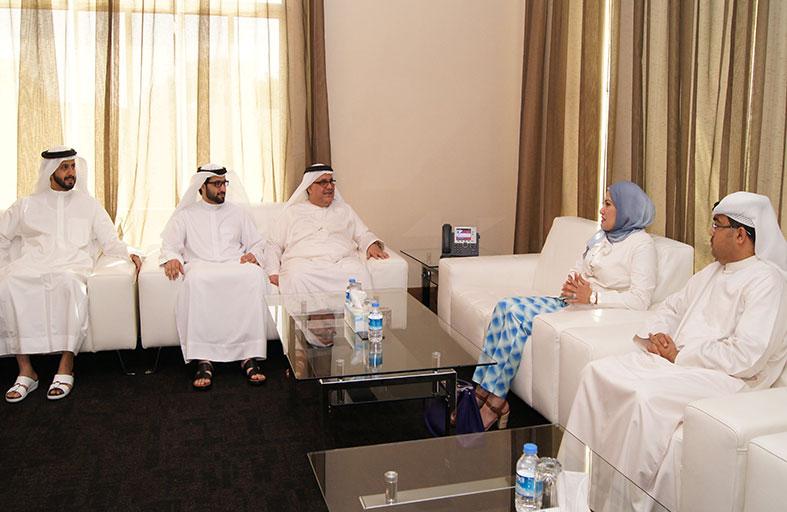 الإحصاء الكويتي يطّلع على تجربة المركز الوطني للإحصاء في مجال استخدام الأجهزة الكفية